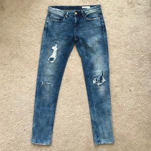 BLANK NYC Distressed Skinny Jeans 27